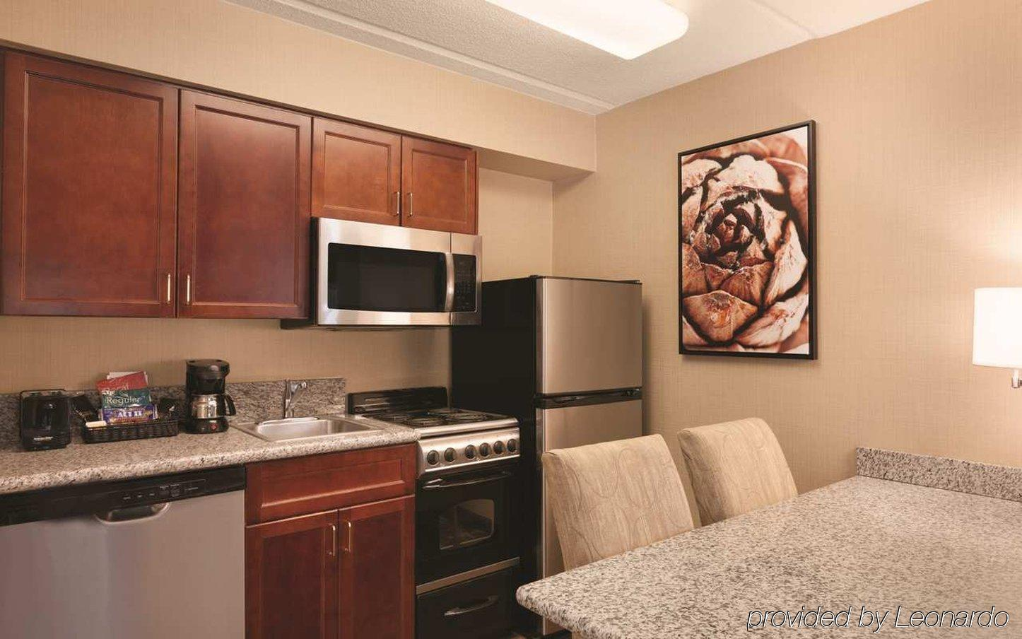 HOMEWOOD SUITES BY HILTON CHARLOTTE AIRPORT, CHARLOTTE ***